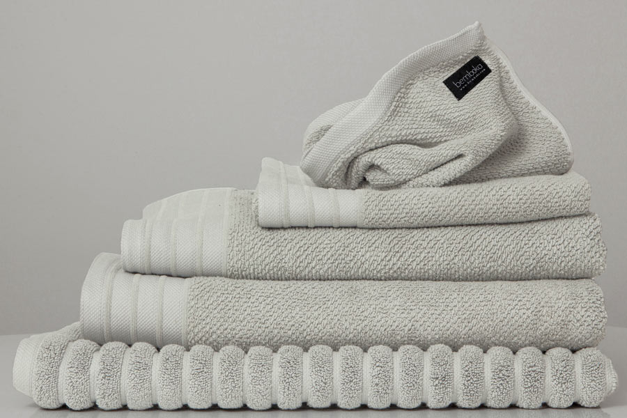 set - bath sheet - tea colour