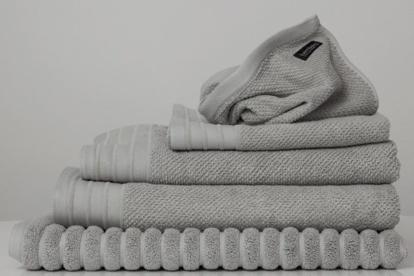 jacquard towels in dove colour