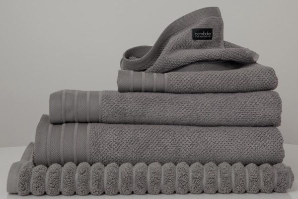 jacquard towels in grey colour