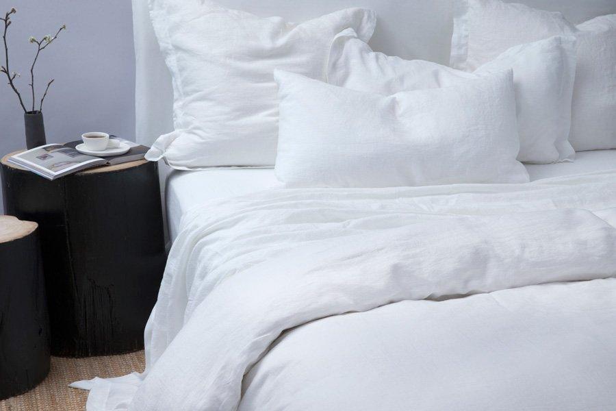 linen in white colour