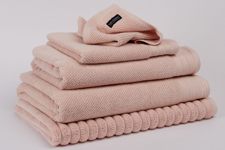 jacquard towels in blush