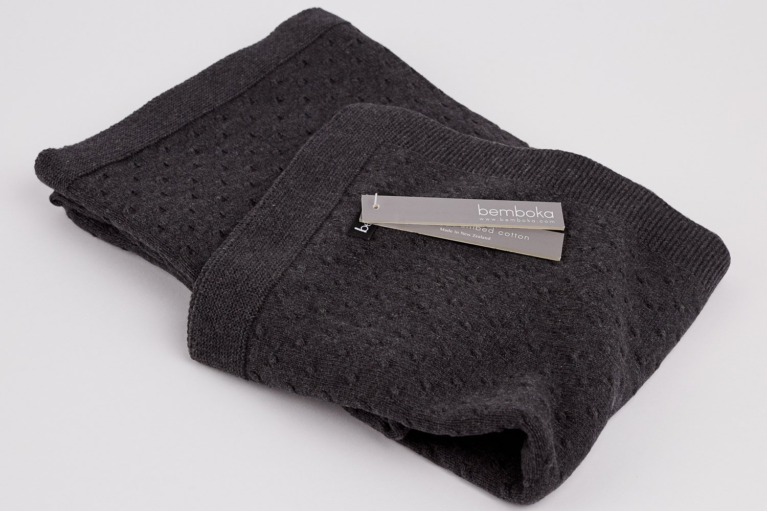 knot knit in charcoal colour