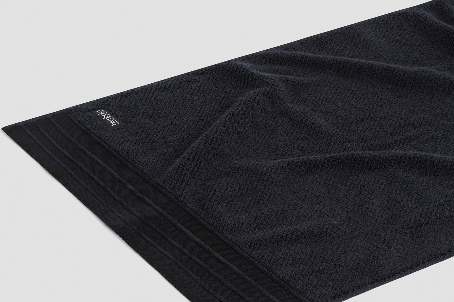 jacquard-hand towels in black colour