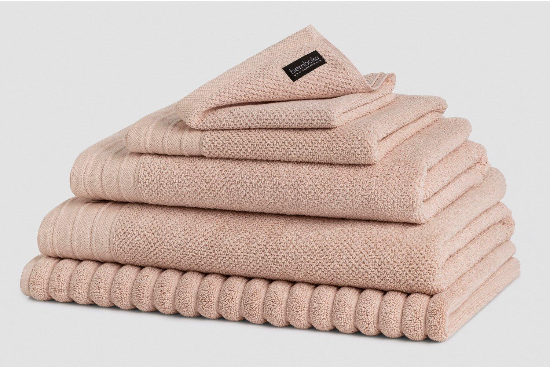 jacquard bath towels in blush colour