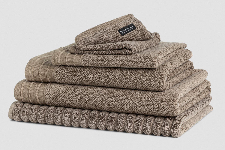 jacquard bath towels in mocha colour