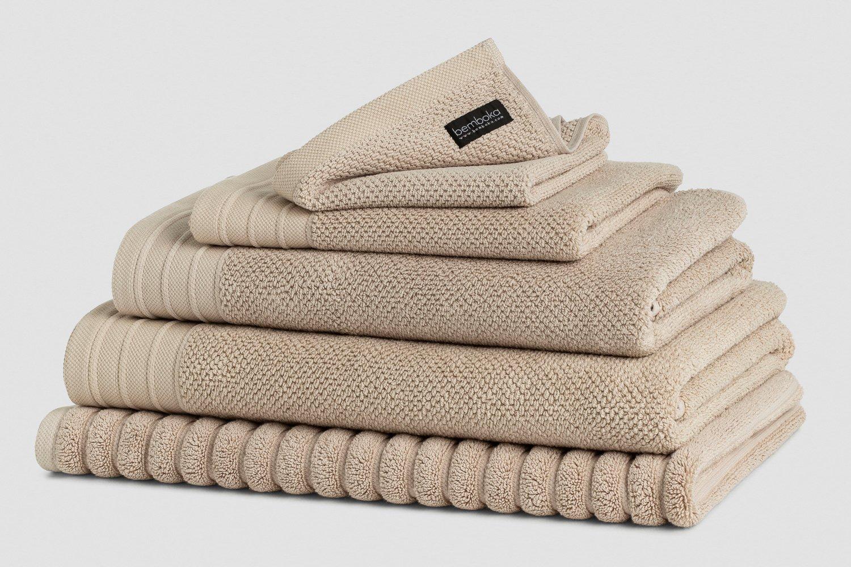 jacquard bath towels in wheat colour