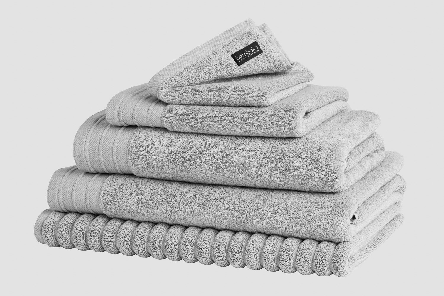 luxe bath towels in dove colour