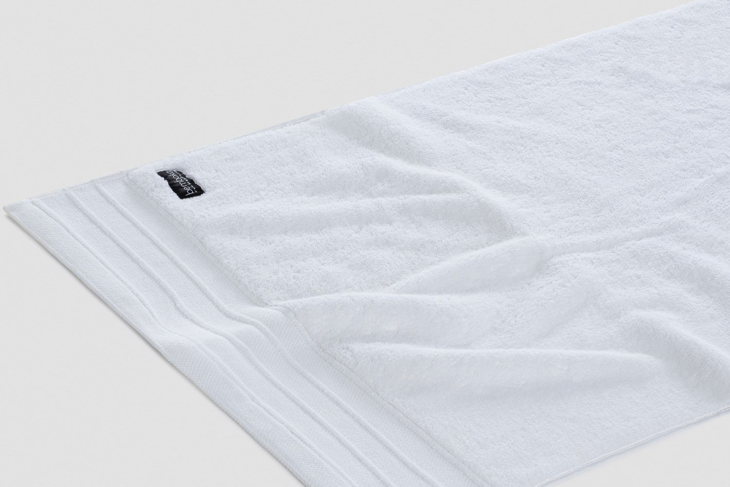 luxe hand towels in white colour