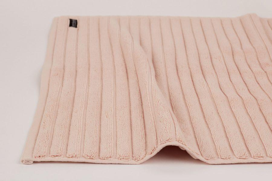 bath mat in blush