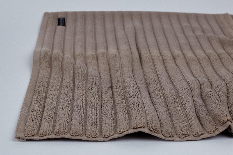 bath mat in mocha