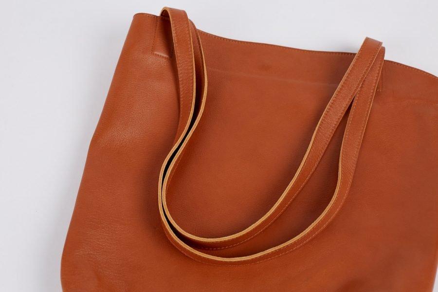 bredbo tote in light tan italian leather