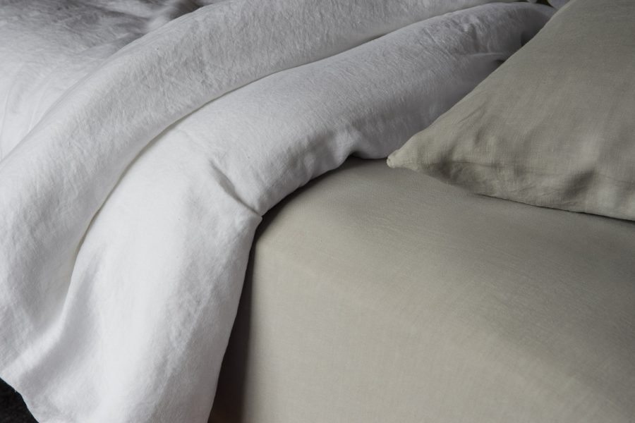 linen in white and stone colours