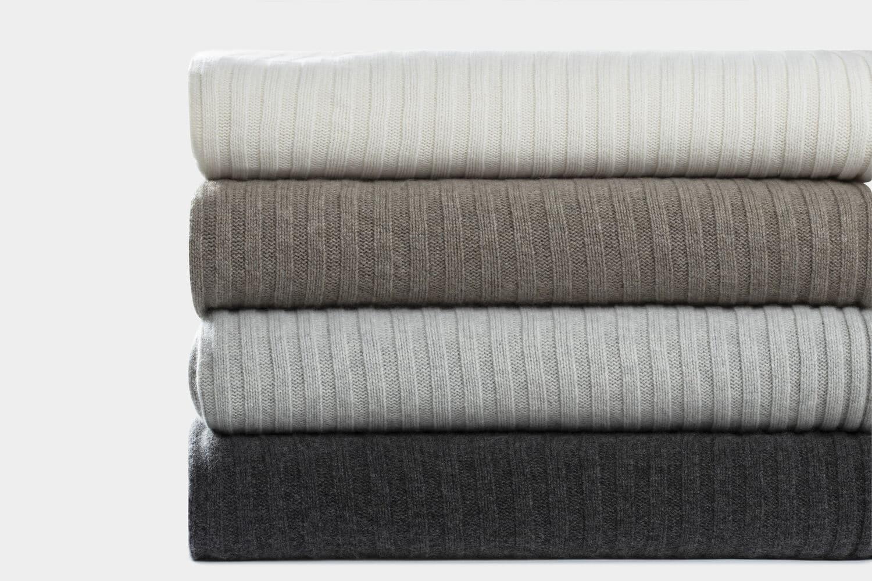 Italian cashmere blankets in wide rib