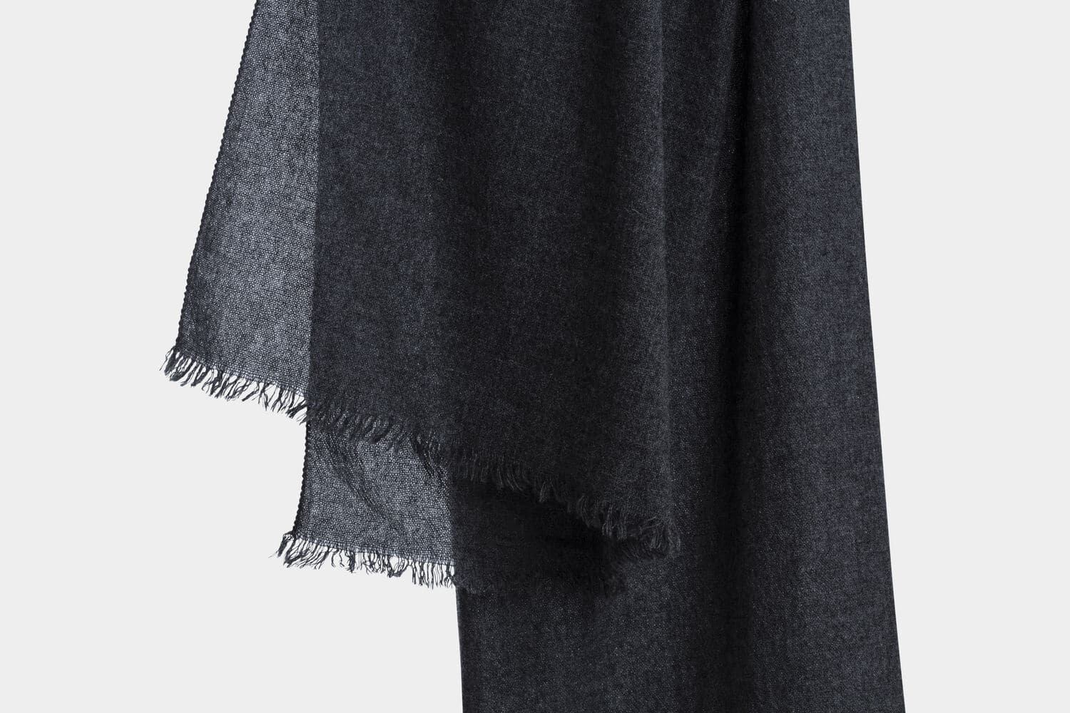 italian cashmere scarf in charcoal