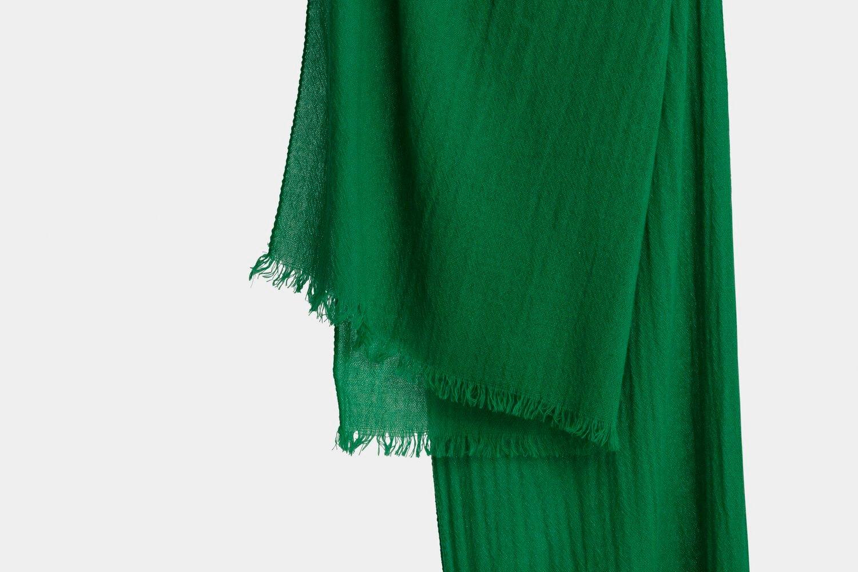 italian cashmere scarf in emerald