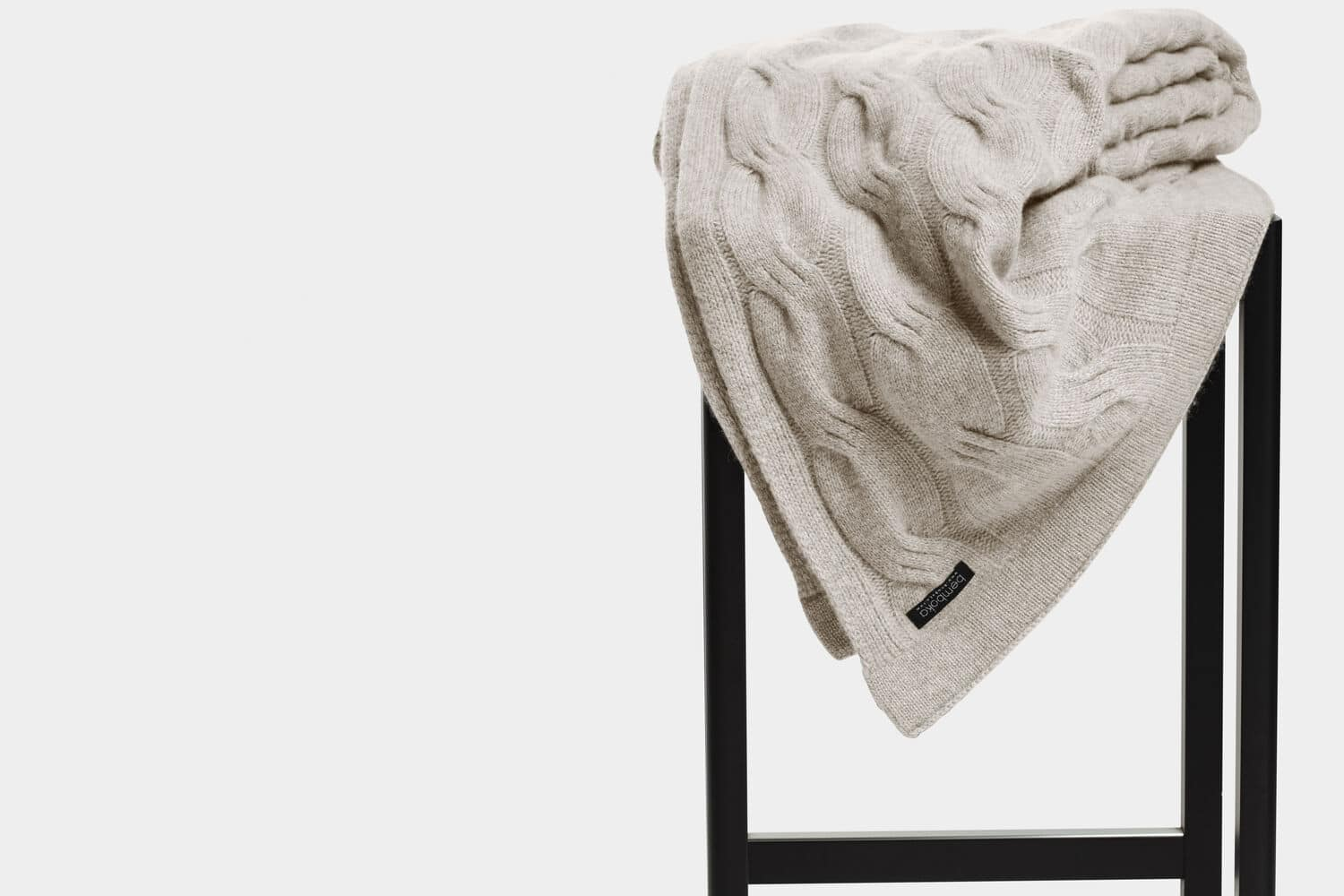 italian cashmere chunky cable throw in sand