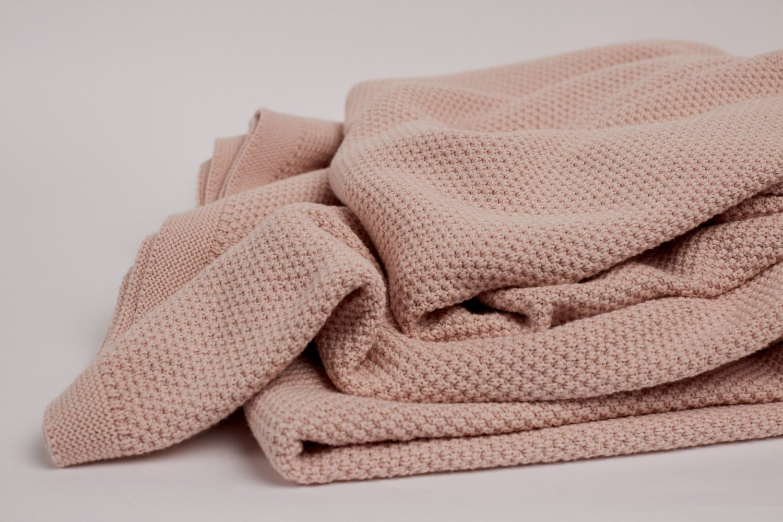 moss stitch knit in blush colour